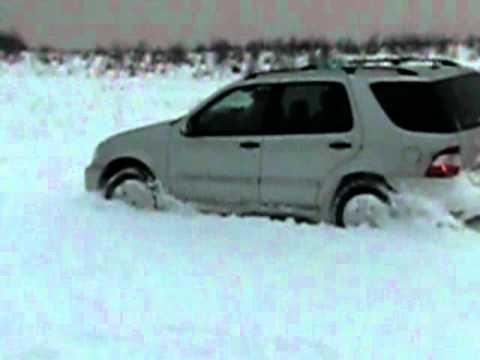Mercedes ml 270cdi offroad im Schnee (Max)