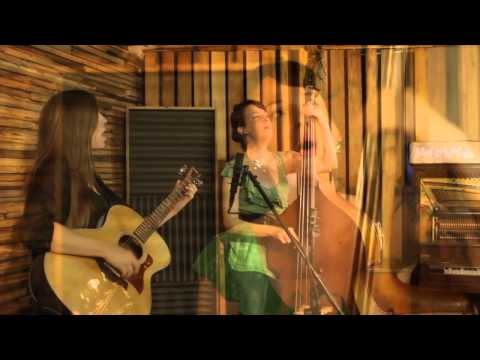 """Emma and Jackie from The Ones To Blame Perform """"Shoulda"""" Live @ Medusa Studios"""