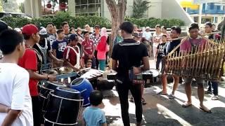 Download Lagu Kolaborasi Musik Tradisional, Angklung-Gamelan-Gong-Drum Gratis STAFABAND