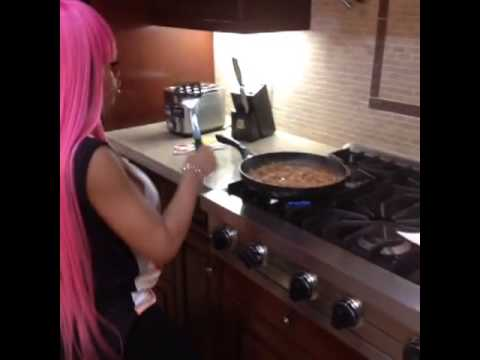 Blac Chyna Dancing video