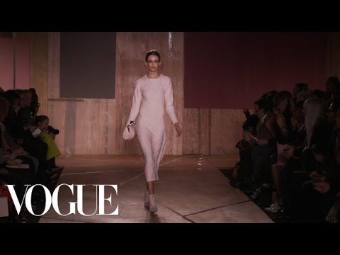 Roksanda Ilincic Ready to Wear Fall 2013 Vogue Fashion Week Runway Show