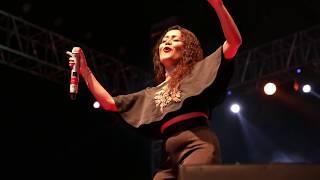 download lagu Tu Cheez Badi Hai Mast By Neha Kakkar Live gratis
