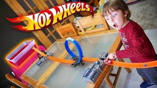 HOT WHEELS NO GELLI BAFF!! Corrida de Carros na Pista Track Builder
