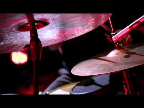 Thumbnail of video Apparat - Candil De La Calle (MTV Live Session)