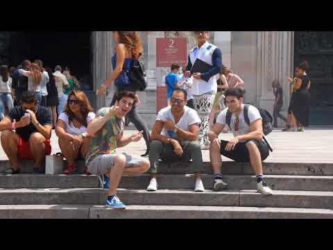 Fare Complimenti agli Uomini Parlando al Telefono - [feat ilChina] - [Esperimento Sociale] - theShow