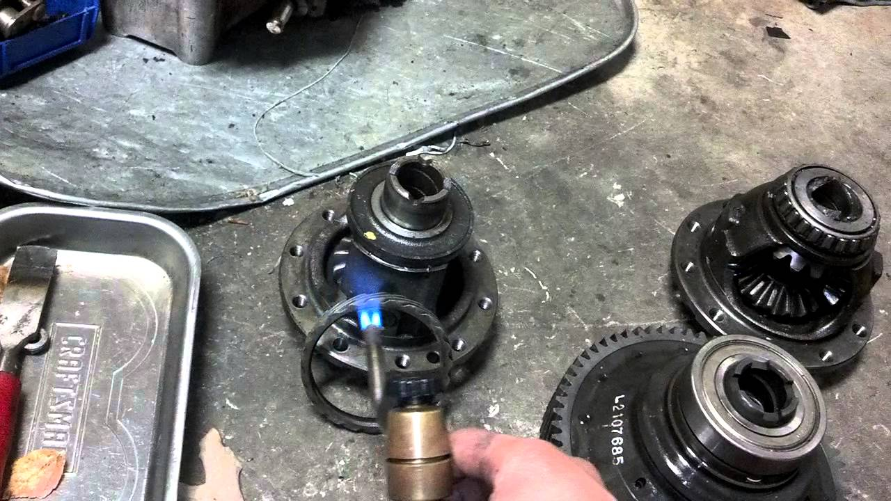 How To Install Differential Bearings And Gear Youtube