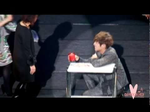 2011.01.22 SS501 KyuSaeng And Story in Japan - Kyu Jong - Magic Trick (6:30pm)