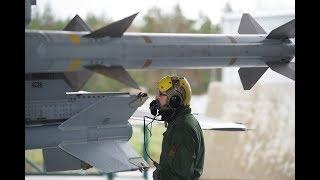 Sous-officier armement avions de combat