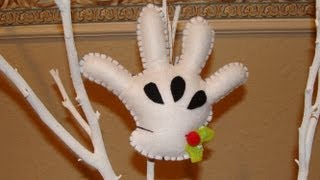 DIY-  Guante de Mickey en fieltro /  Mickey´s felt glove christmas ornament  ( BBarte1 )
