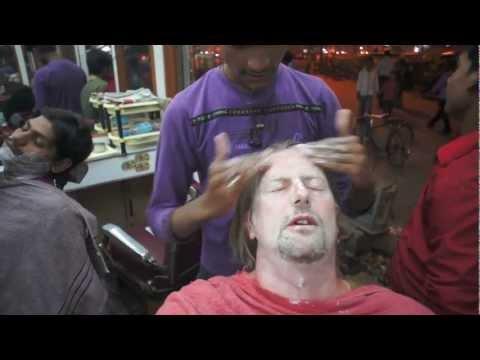 Indian barbershops - Varanasi - face wash