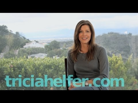Tricia Helfer - 2013 Update on Starcraft, Community, Acting Outlaws + more