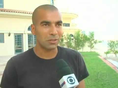 Emerson, o ex Sheik do Flamengo, mostra seu `castelo` em Dubai