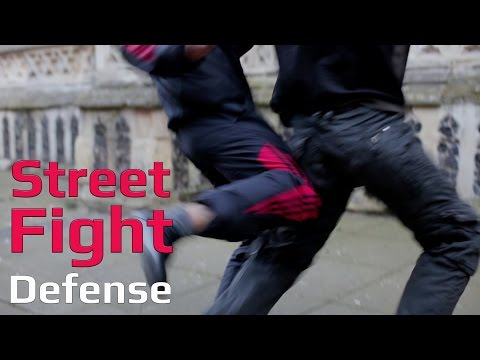 Street fight  back break attacking the leg