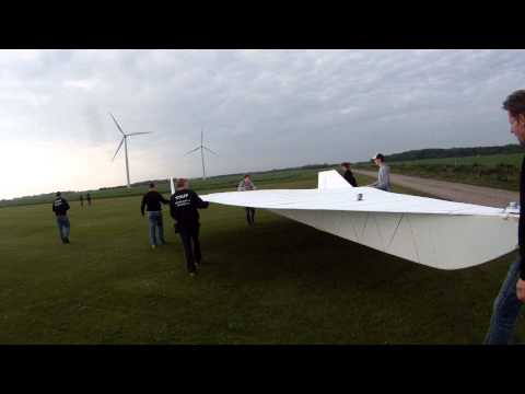 Another Spectacular HUGE RC plane. 32 square meter delta wing SLOW