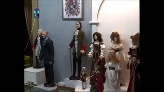 """Gallery """"Space Puppet"""": a huge collection of designer toys, antique dolls and"""