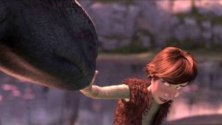 How to Train Your Dragon (2010) - Official Trailer