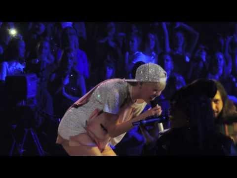 Miley Cyrus 'jolene' Dolly Parton Cover Hd 02 20 14 Anaheim Ca video