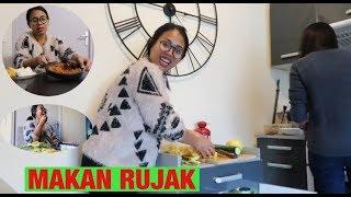 Download video VLOG    MAKAN PECEL AYAM    NGERUJAK    NGUSIR SETAN PAKE GAREM DI PERANCIS