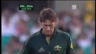 Glen McGrath Last Over in 1 day Cricket in Oz