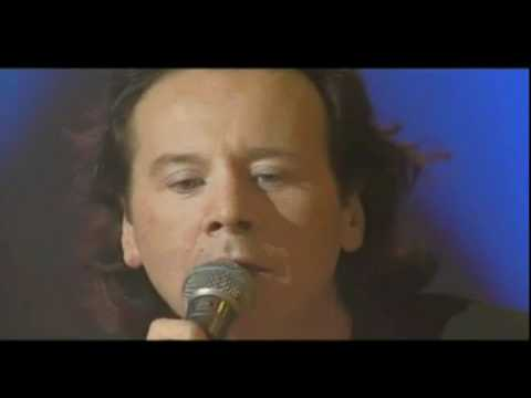 Simple Minds - She Moved Through The Fair