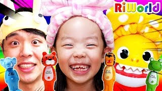 Brush Your Teeth  Song for Kids  Nursery Rhymes  Boo Boo Story Song ㅣ RIWORLD 리원이와 우리모두다같이 양치송 인기동요