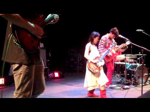 Deerhoof - Music Hall 4-6-2013  encore