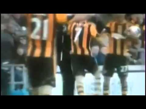 MENTAL! Alan Pardew Headbutting Hull City Player David Meyler 1/3/14