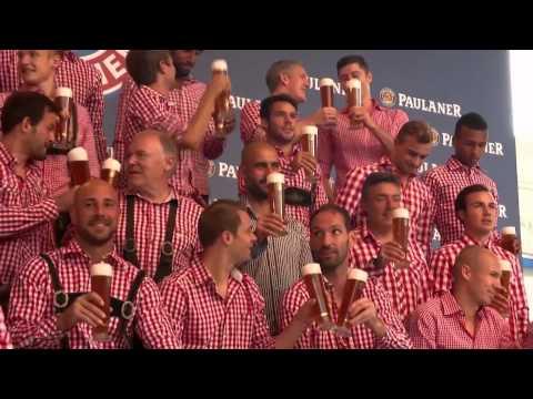 Bayern Munich players wear Lederhosen