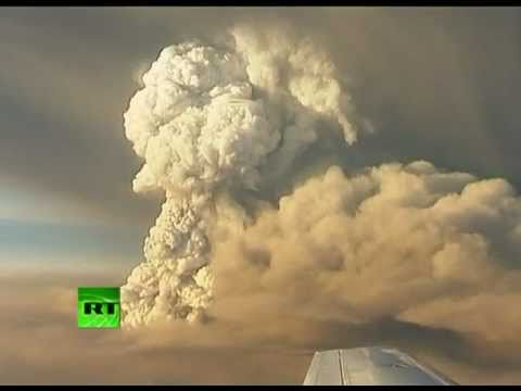 Video of Iceland volcano eruption, giant ash clouds from Grimsvotn