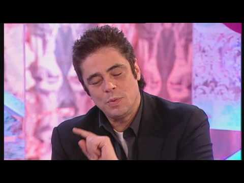 T4: Benicio del Toro teaches Rick Edwards to be a wolf Video