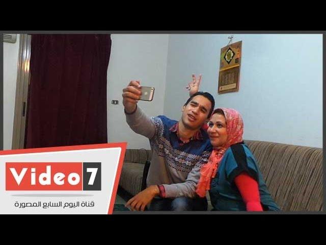 """بالفيديو..أول مواجهة بين حازم ووالدته صاحبة هاشتاج"""" جواز حازم لازم"""
