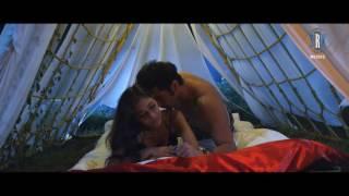 Labon Se Labon Ki   Bollywood hot DIVA   Sara Khan   POOLSIDE KISSING