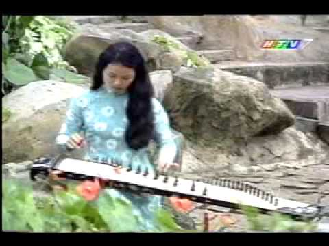 Beauty Plays Traditional Vietnamese Music