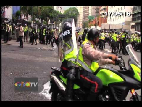 Agresion en Sabana Grande - Caracas 17/05/16