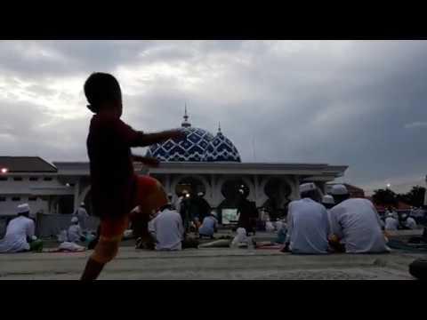 Al khidmah, Pujian/Wadhifah menjelang waktu sholat maghrib di Ponpes Al Fithrah Surabaya