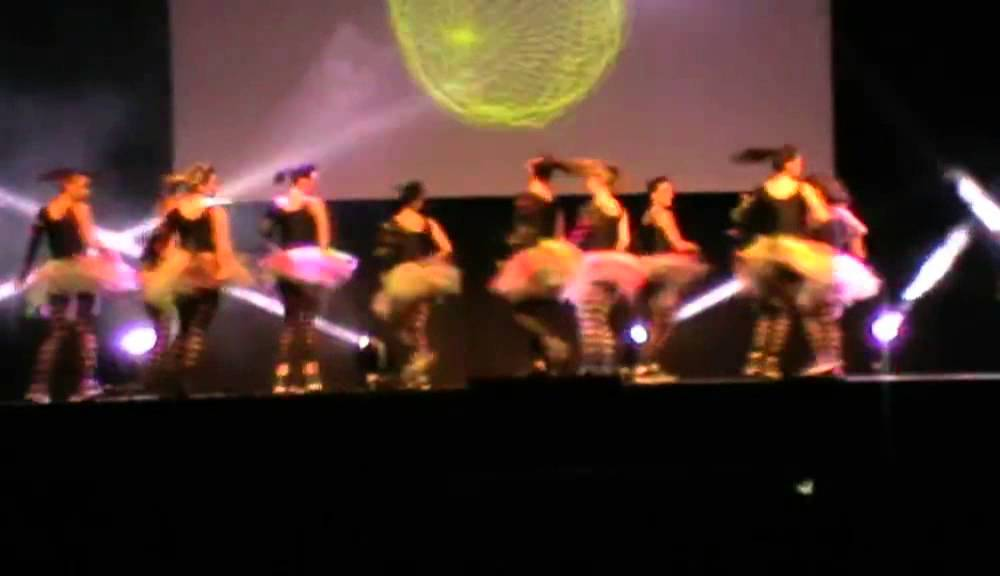 K 39 danse salon des jeunes 2013 scream and shout britney for Youtube danse de salon