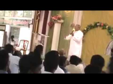 Fr.s.j Berchmans Tamil Christian Live Worship At Jebathottam video