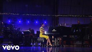 Alicia Keys - Try Sleeping With A Broken Heart (Live on Letterman)