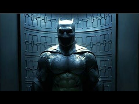 Ben Affleck Batsuit First Official Look Released by Zack Snyder!