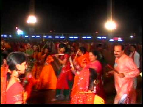 Tara vina shyam ..........Gujrati Garba live by NAVANKUR