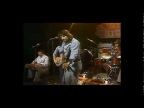Waylon Jennings - Aint No God In Mexico