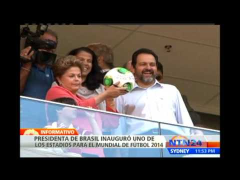 Dilma Rousseff inaugura estadio Nacional de Brasilia para el Mundial de ftbol de 2014
