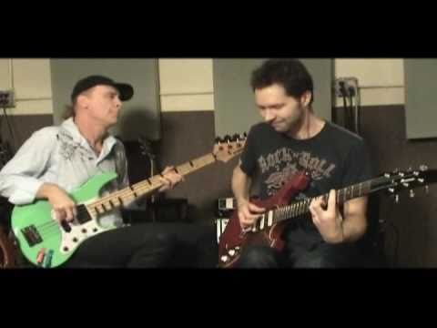 Paul Gilbert and Billy Sheehan - Bluesy Jam