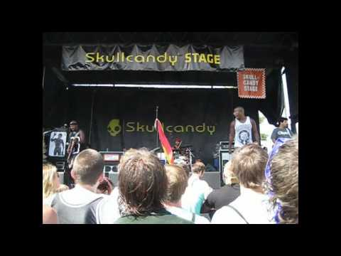 Bad Rabbits - Eyes On You (Darien Lake / Darien Center, NY 7/12/2011)