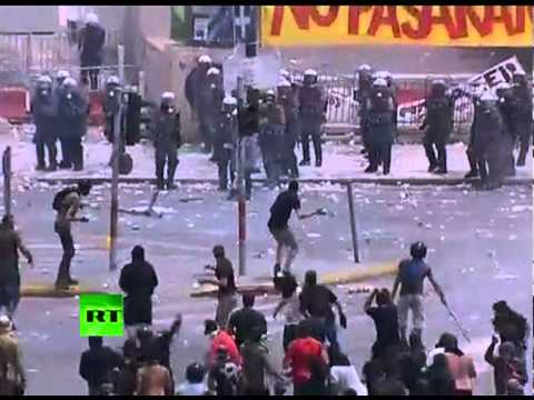 Athens War Zone: Latest dramatic footage of Syntagma square riots