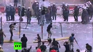 Athens War Zone_ Latest dramatic footage of Syntagma square riots