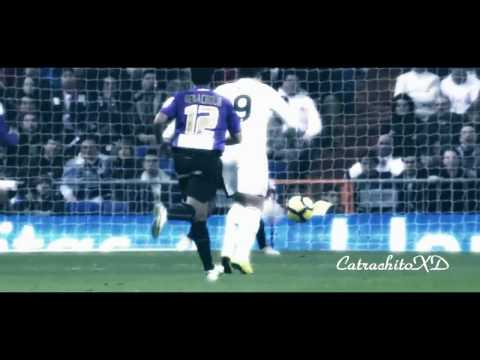 Lionel Messi - Cristiano Ronaldo & FC Barcelona - Real Madrid - El Clasico 27/28 November 2011 HD Video