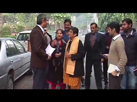 Kiran Bedi says it was a traffic sub-inspector who towed Indira's car