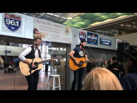 'merica - Thomas Rhett - Islip Macarthur Airport - March 5, 2014 video