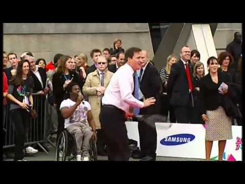 David Cameron and Boris Johnson play Paralympic tennis | Channel 4 News